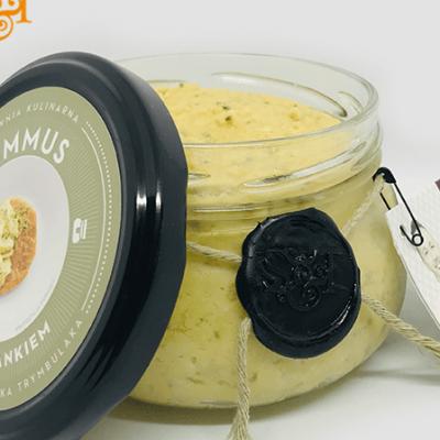 Bezglutenowy i wegański hummus z tymiankiem