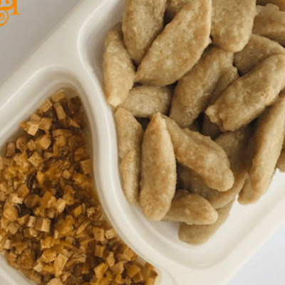 Bezglutenowe i wegańskie kluski ziemniaczane z okrasą